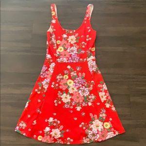 Red flower 🌸 dress. NEW sz 4. Stretchy